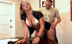 Golden Bikini MILF Shows Her Golden Qualities